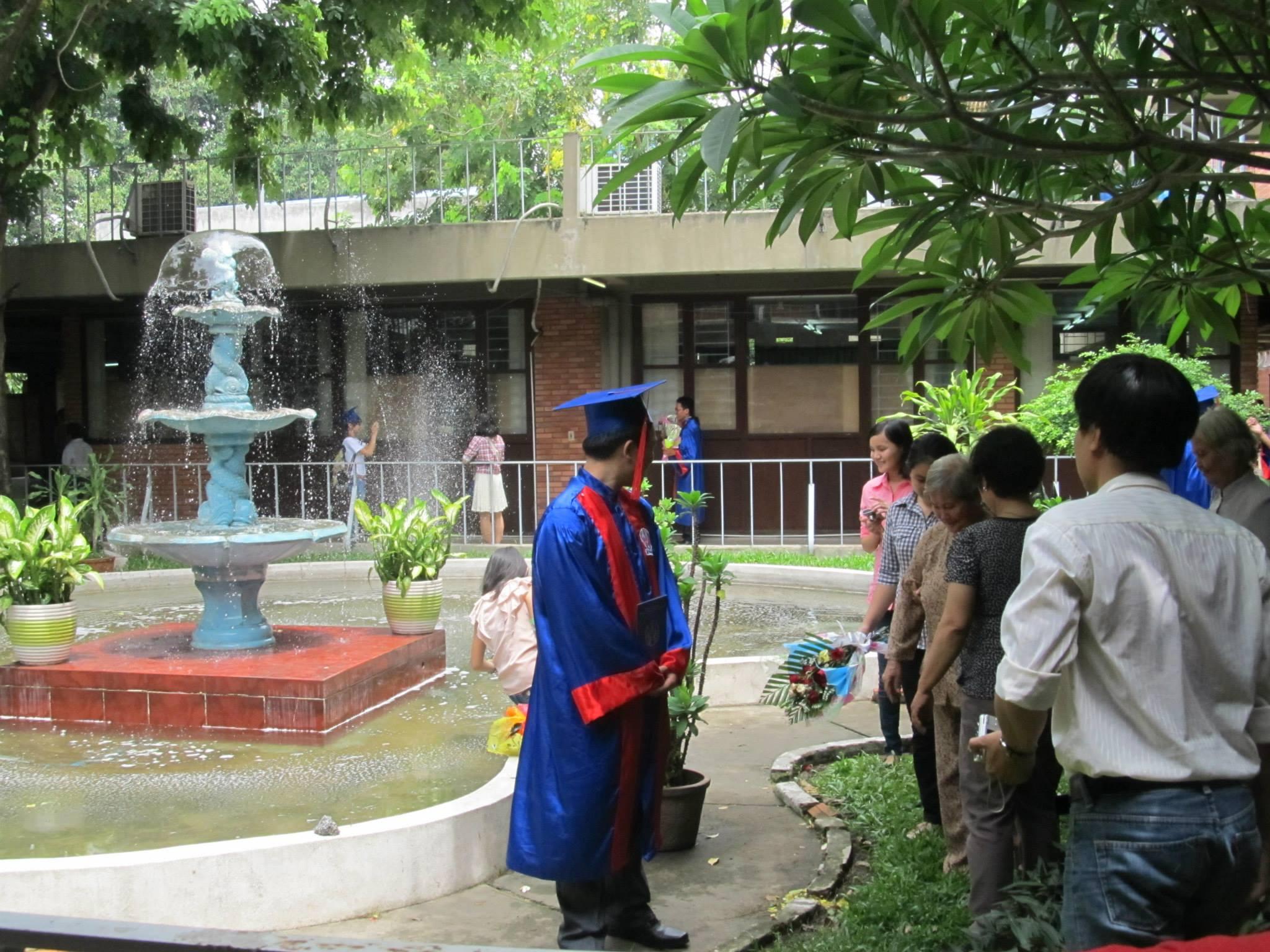 Một góc trong khuôn viên trường